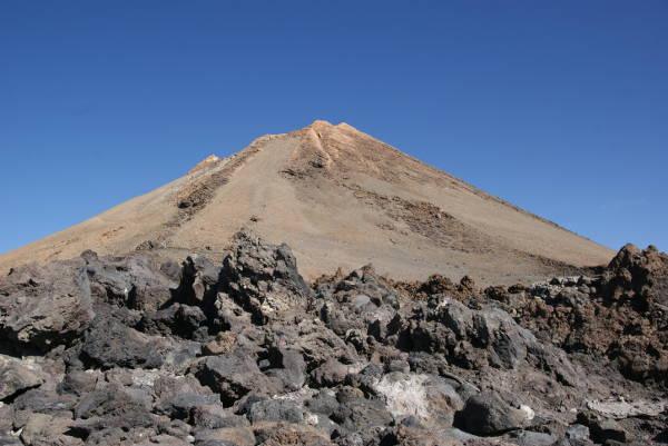La partie sommitale du Teide depuis l'arrivée du téléphérique. (Photo : André Laurenti)