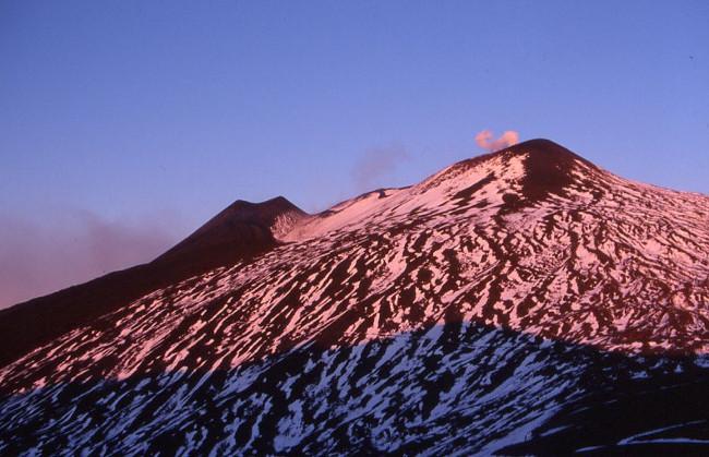 Nous avons peu dormi en raison du froid. L'éruption n'a pas eu lieu. (Photo : André Laurenti)