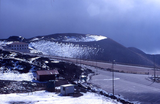 Le cratère Silvestri inférieur à hauteur de la station de Sapienza. (Photo : André Laurenti)