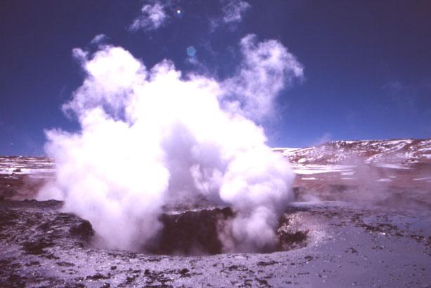 Les marmites de Sol de Manana à 4760 m d'altitude. (Photo : André Laurenti)