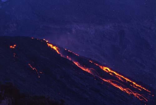 L'activité qui caractérise Stromboli a été remplacée par des coulées de lave. (Photo : André Laurenti)