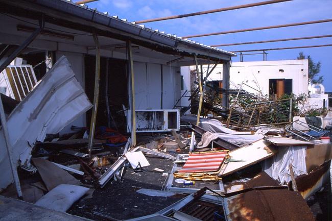 Dégâts provoqués par le tsunami sur les établissements situés proches de la mer. (Photo : André Laurenti)