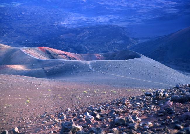 Le petit cône volcanique appelé le Ka Lu'uoka'oo. (Photo : André Laurenti)