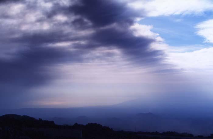 A plusieurs reprises l'aéroport de Catane sera fermé à cause du nuage de cendres. (Photo : André Laurenti)