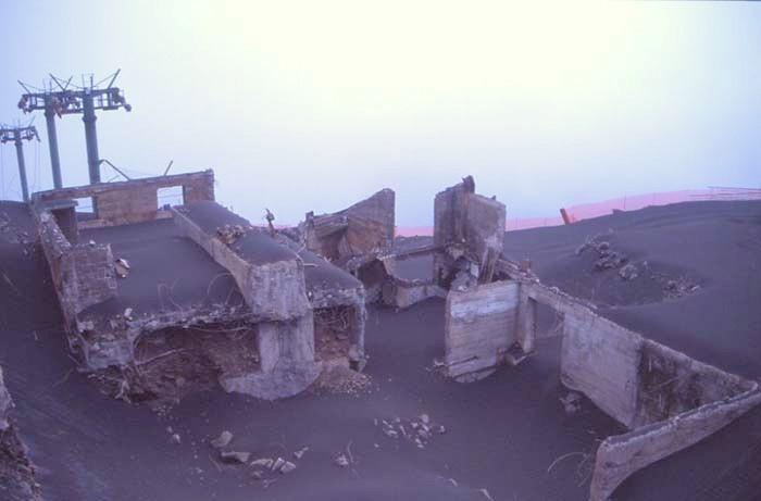 Le bâtiment a été dévasté par l'Etna. (Photo : André Laurenti)